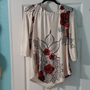 Tops - Silk flower patterned tunic.